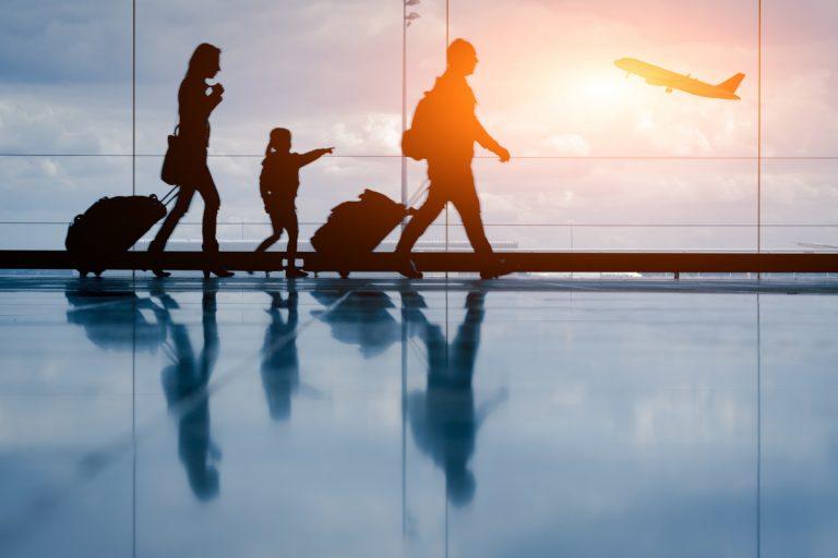 Ferien mit Kindern: So klappt der Flug ohne Stress