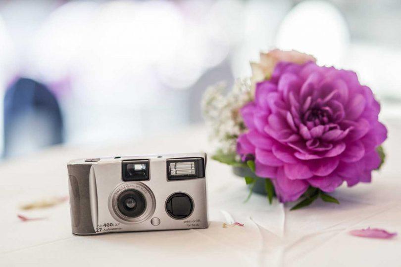 Hochzeitsideen Verteilen Sie Einwegkameras