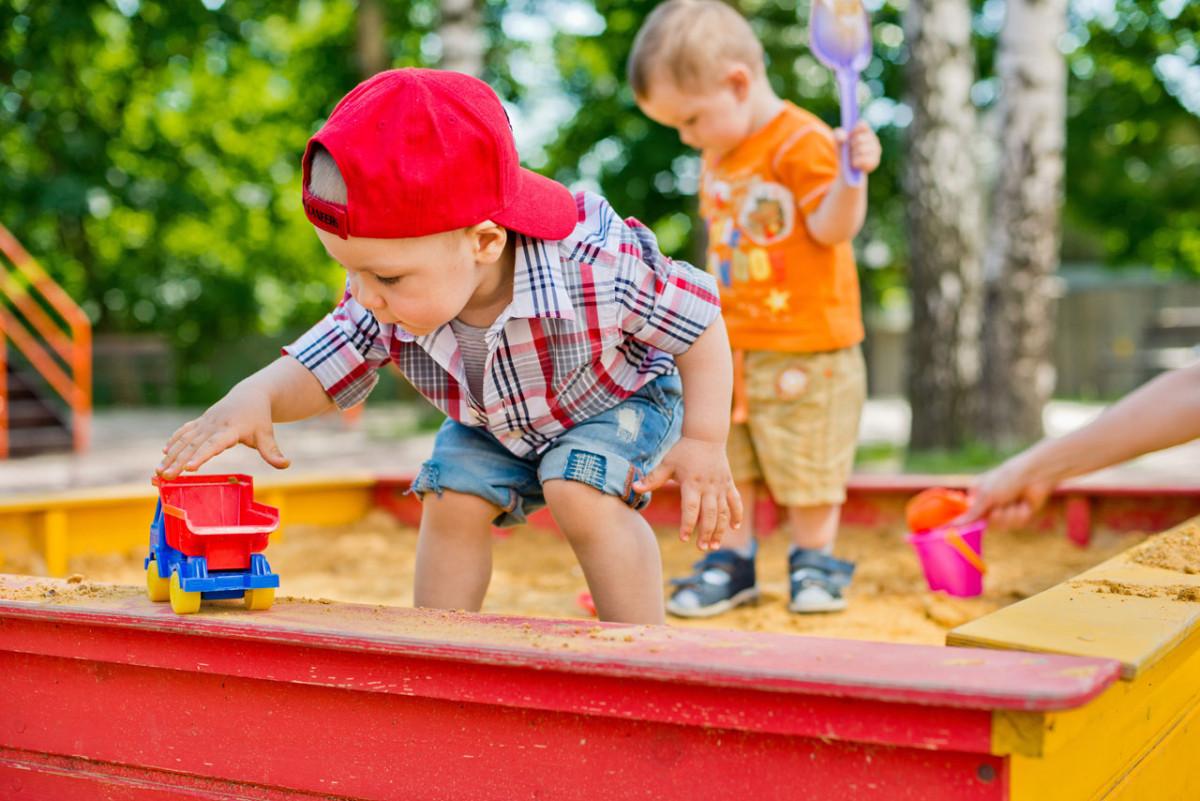 Sandkasten: 7 Tipps für gesunden Spielspaß