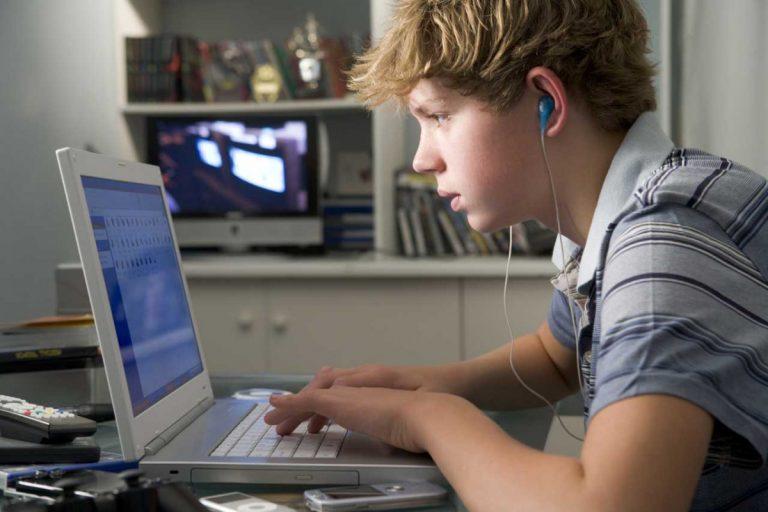 Jugendliche und Medien: Internetnutzung mit altersgerechter Zeitbeschränkung