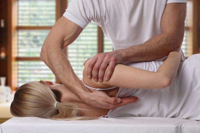 Rücken: Nur Physiotherapie lindert Rückenschmerzen kaum