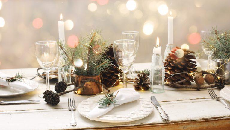 Checkliste: Mit dieser Tischdekoration setzen Sie Ihr Weihnachtsessen richtig in Szene