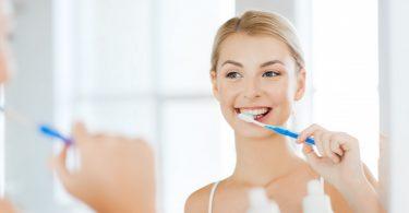 Zähneputzen schützt das Herz