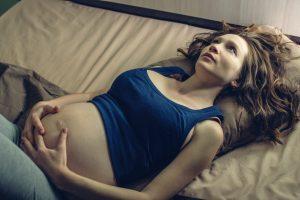Beschwerden in der Schwangerschaft lindern: Schlafprobleme