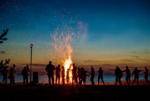 Lagerfeuer machen: So klappt es