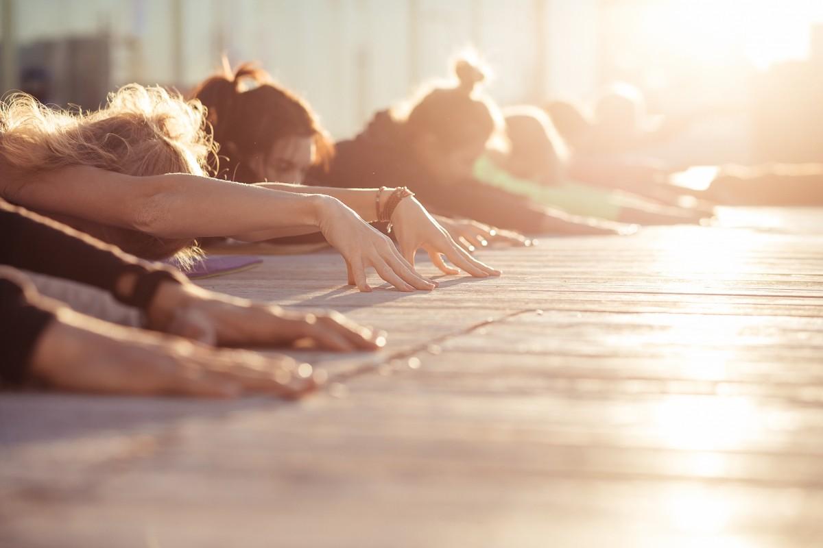Anleitung zur Yogaübung Uttanasana