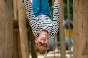 Spiele und Bastelideen für den Urlaub: Spiele zum Toben