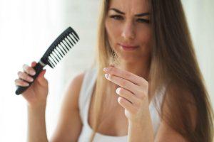 Haarausfall: Die Ursachen können verschieden sein