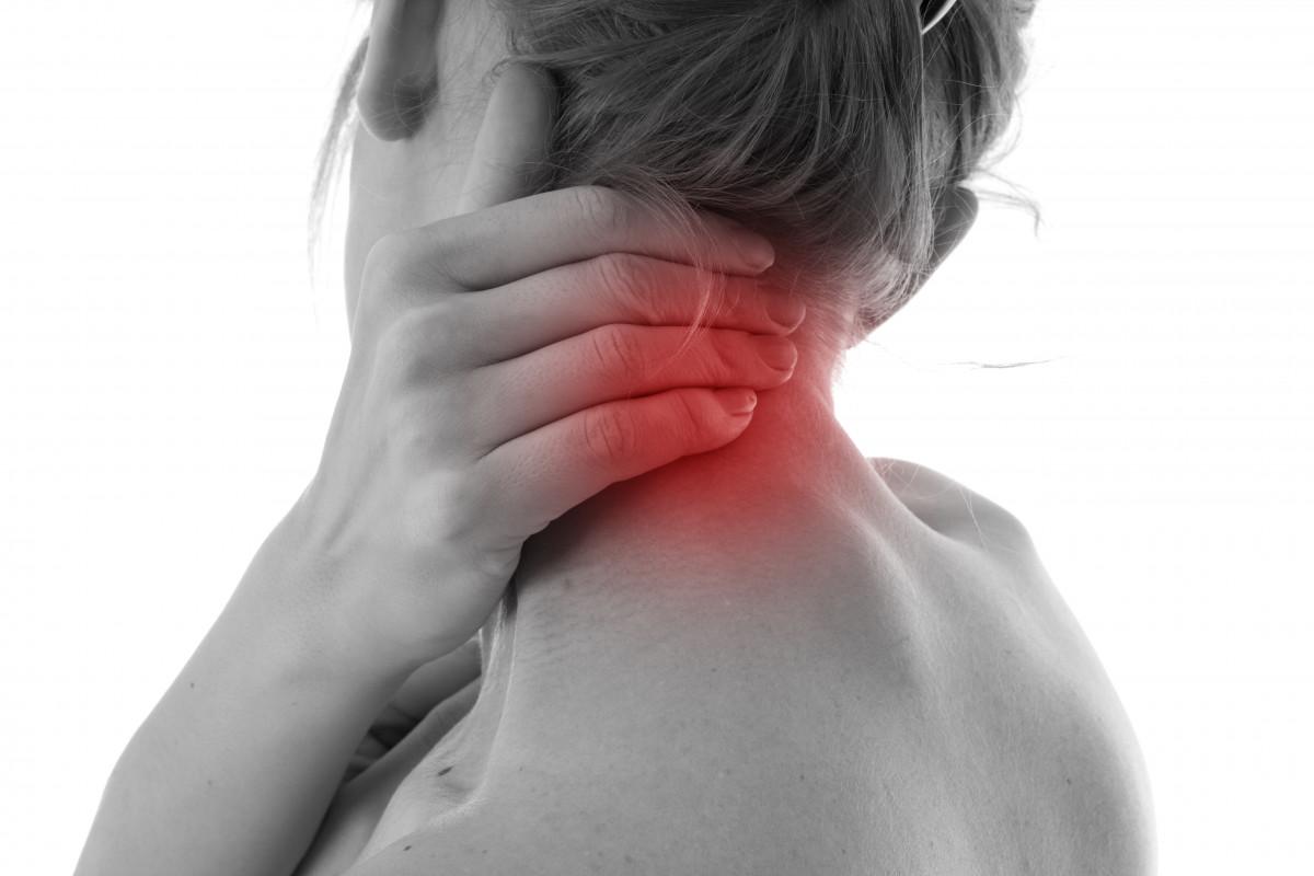 Nackenschmerzen durch Stress: Verspannter Nacken - Übungen