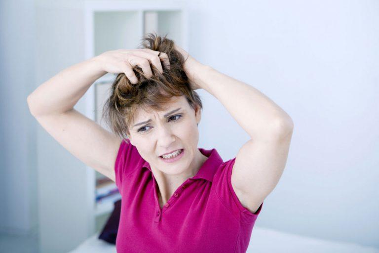 Mit welchem Kopflausmittel sollte man Kopfläuse am besten behandeln?