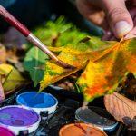 Wie Sie originelle Karten basteln mit Blättern