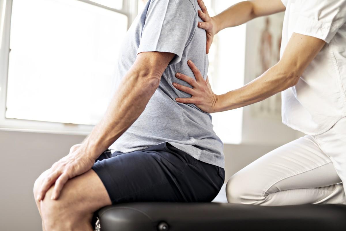 Rückenschmerzen durch falsche Schuhe