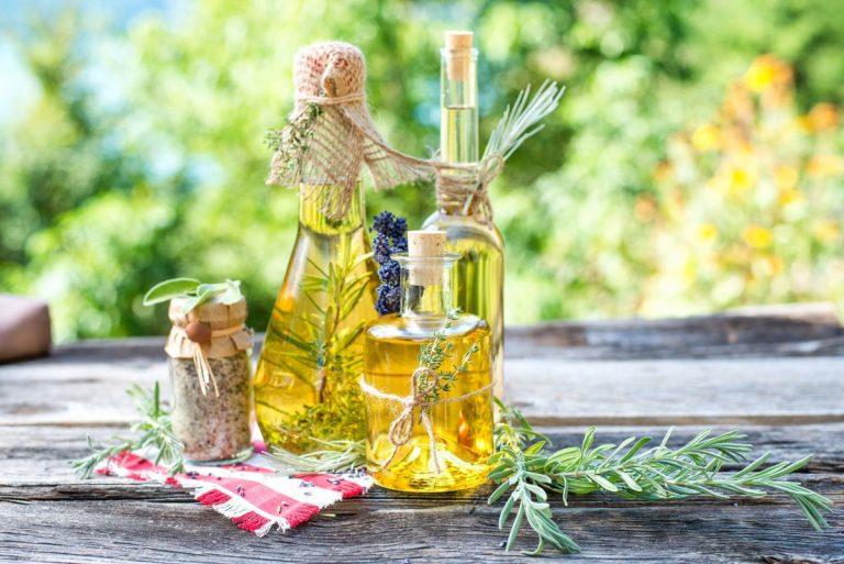 Teil 1: Kräuteröl für die feine  Küche