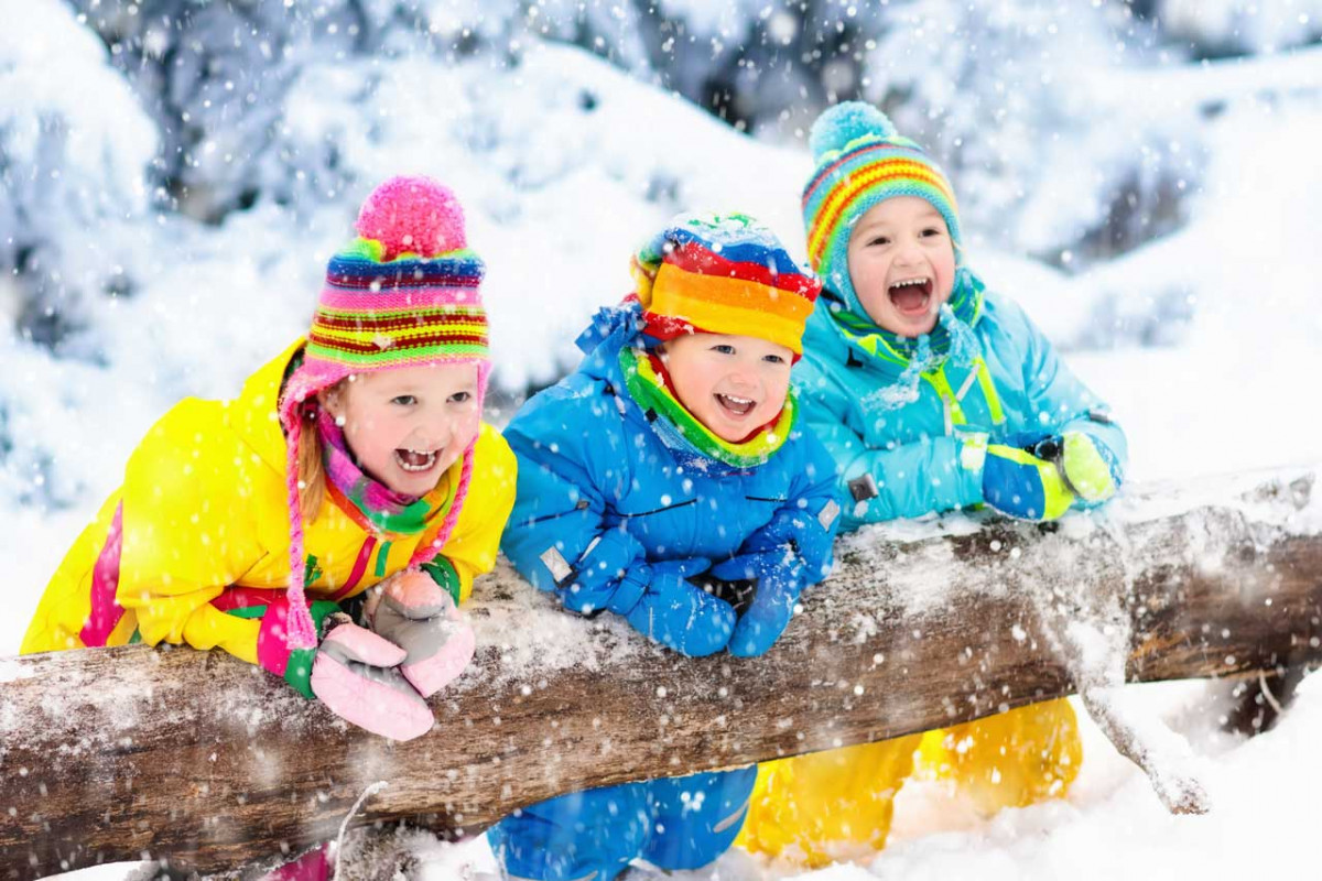 Kindergeburtstag im Winter feiern: Viele Spiele für Kinder