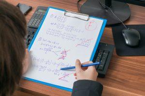 Schlechte Noten: Vermeiden Sie Stress für Kinder und Eltern