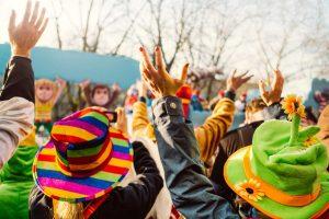 Wie Sie einfache Karnevalskostüme für Kinder selber machen