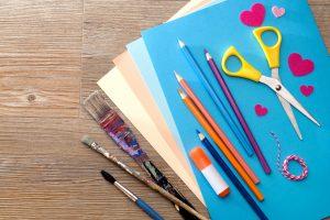 Kindergeburtstag: Einfaches Basteln mit Spiegelfliesen (Teil 14)