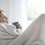 Hausmittel bei Erkältungen: Was hilft gegen einen grippalen Infekt?