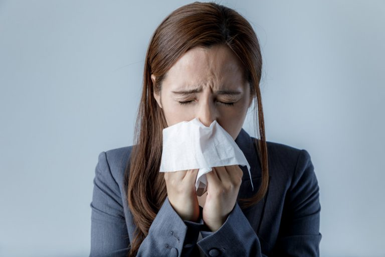 Erkältungszeit: Sinusitis - So helfen Homöopathie und Hausmittel