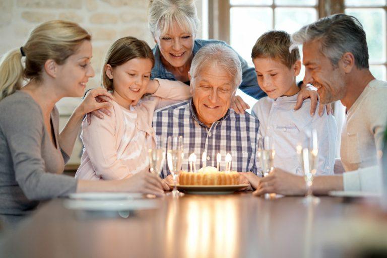 Rede zum Geburtstag: So gelingt sie stilvoll