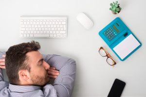 Powernap im Büro – glauben Sie auch an diese Mythen?