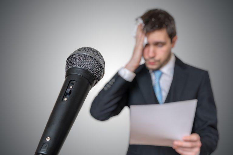 Lampenfieber bekämpfen: In Präsentationen souverän agieren