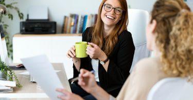 """Gesprächsführung: So lehnen Sie im Job ein """"Du"""" stilvoll ab!"""