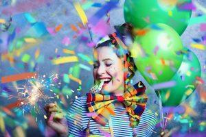 Schminken, Masken und Perücken für Fasching oder Karneval