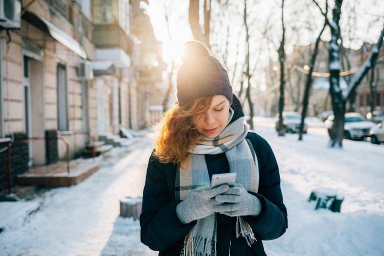 So schützen Sie Ihr teures Handy oder Smartphone vor Kälte