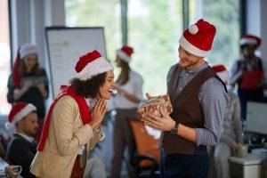 Rede zur Weihnachtsfeier: So überzeugen Sie als Vorgesetzter