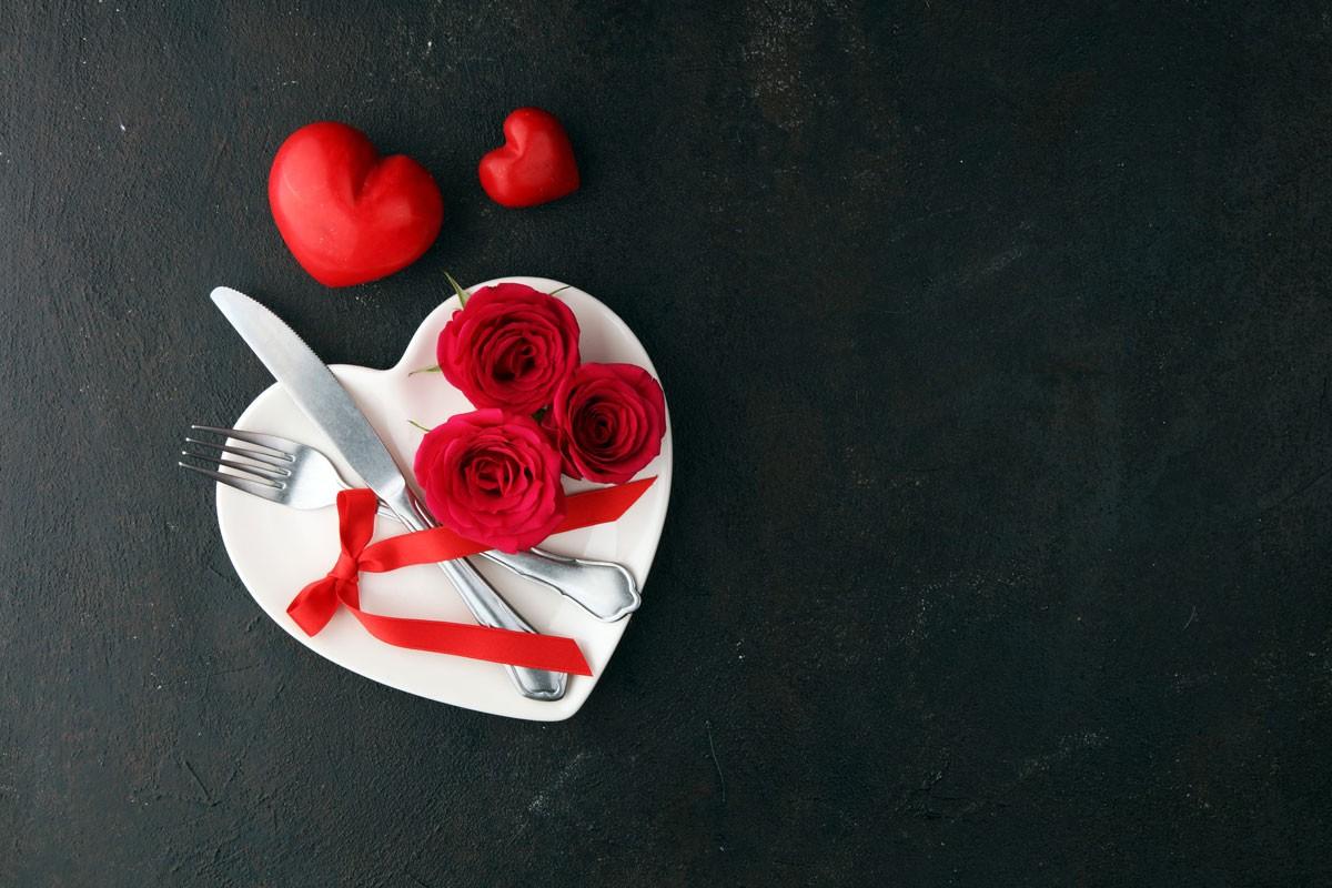 Zum Valentinstag: Serviette als Herz falten (Teil 2)