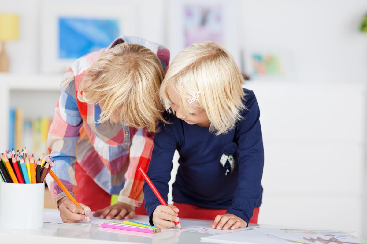 Kindergeburtstag: Einladung basteln mit Spiegelfolie (Teil 10)