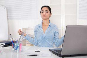 Achtsamkeit lernen: Im Augenblick leben und Stress abbauen