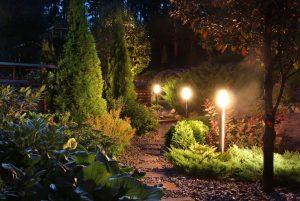 Licht im Garten: Weniger ist mehr