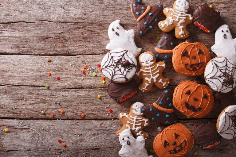 Halloween Party: Mit Lebensmittelfarbe wird das Essen gruselig