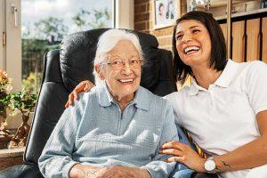 Wohnen im Alter: Zuhause wohnen mit Betreuung