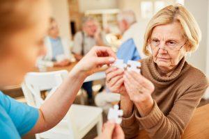 Therapie bei Demenz: Therapeutische Ansätze helfen, Informationen zu sammeln