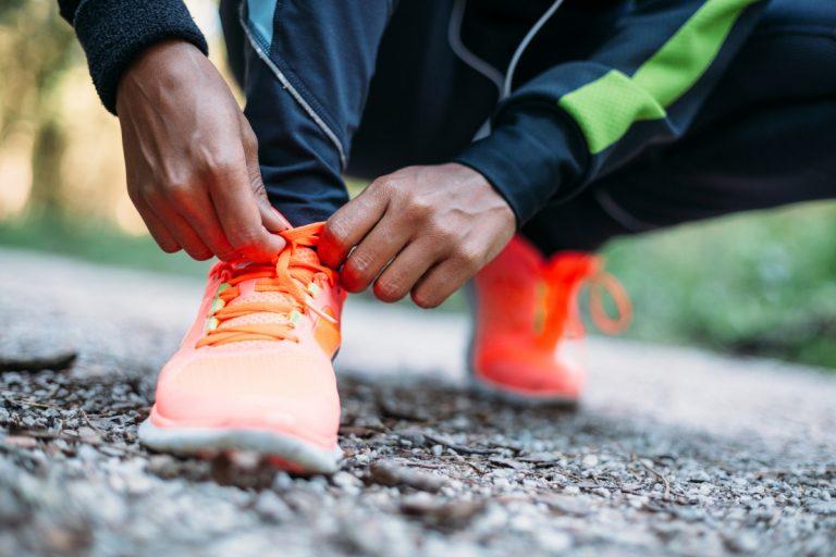 Schmerzen beim Laufen? Den passenden Laufschuh finden