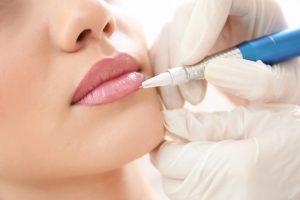 Permanent-Make-Up: Welche Risiken birgt die dauerhafte Schminke?