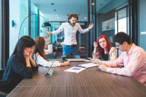 Gewalt und unzufriedene Mitarbeiter am Arbeitsplatz