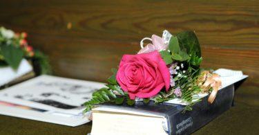 Perfekt organisieren: Konfirmation feiern mit Checkliste