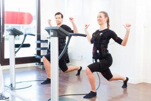 EMS-Training – Kalorienverbrauch und Fettverbrennung in Mikro-Fitnessstudios