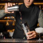 Cocktails mit Champagner, Prosecco und Pfeffer selber mixen