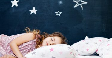 Jedes Kind kann schlafen lernen - muss es das auch?