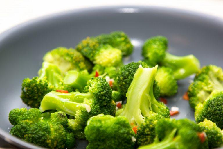 Kochtipps zum Abnehmen mit Brokkoli und Chili