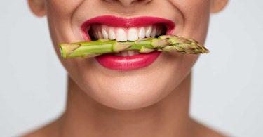 Kann man Spargel roh essen?