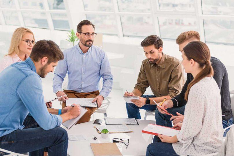 """Spontan eine Gesprächsrunde leiten: Nutzen Sie das """"Wichtige Dutzend"""""""
