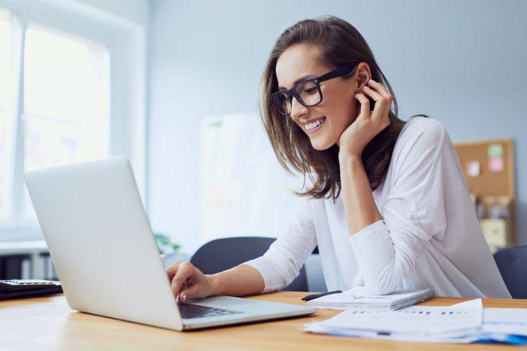 Arbeiten von zu Hause aus: Vermeiden Sie Stress durch Isolation