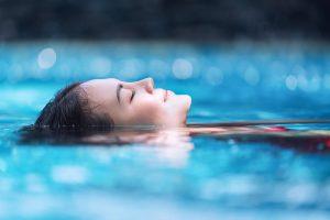 Sommerzeit - Badezeit – so übersteht Ihr Haar den Badestress