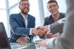 Wie kann Leistungsbereitschaft bei Mitarbeitern geweckt werden?